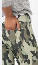 Load image into Gallery viewer, Moto Jeggings - Camo