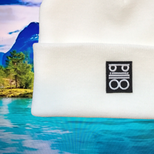Load image into Gallery viewer, pillo beanie white