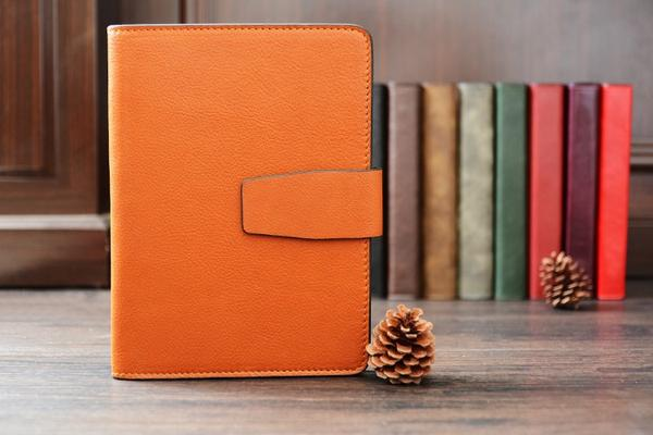 products/Handmade_Vegetable_Tanned_Italian_Leather_Notebook_Journal_Book__1_grande_bf5a71b5-23fb-4479-afc5-636d551aa007.jpg