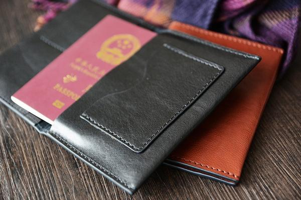 products/Handmade_Vegetable_Tanned_Italian_Leather_Passport_Holder_Wallet_Clutch__5_grande_ef92ba92-4f4c-4308-8f4e-0635d4e4d626.jpg