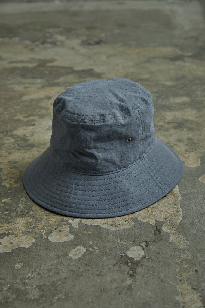 TWISTED  CHAMBRAY GABARDINE BUCKET HAT