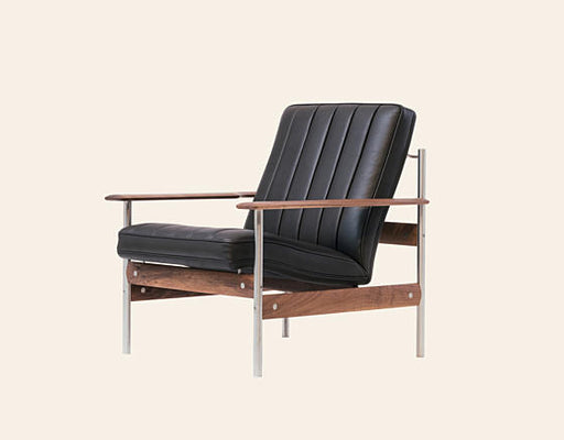 1001 AX Lounge Chair by Fjordfiesta