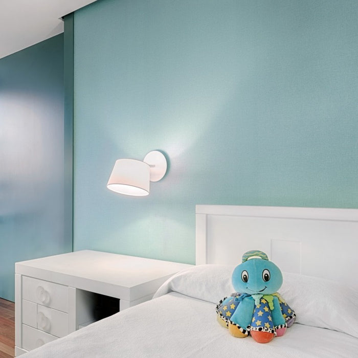Excéntrica Wall Lamp by ZANEEN design