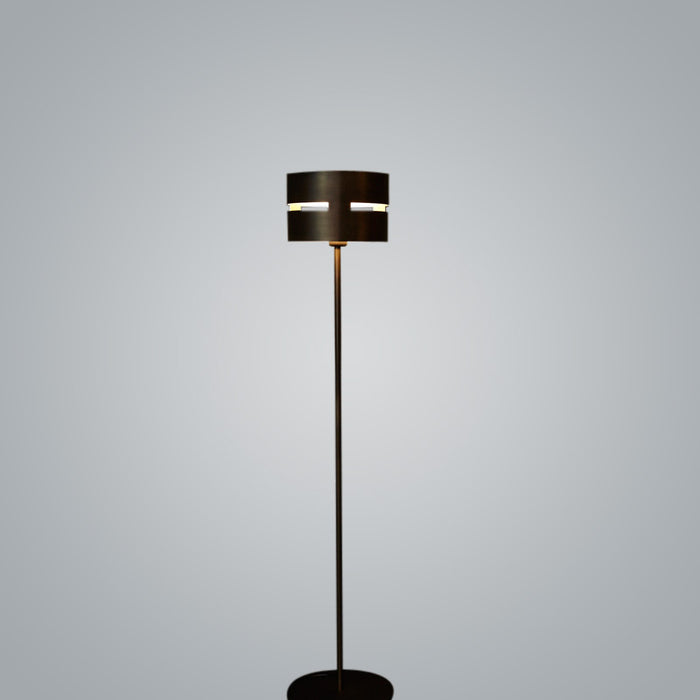 Luz Oculta Metal Floor Lamp by ZANEEN design