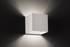 Laser wall light by Studio Italia