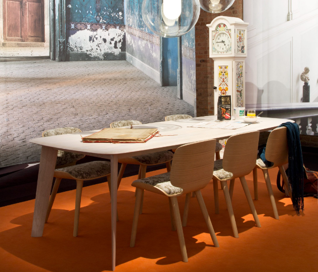 Tapered Table by Moooi