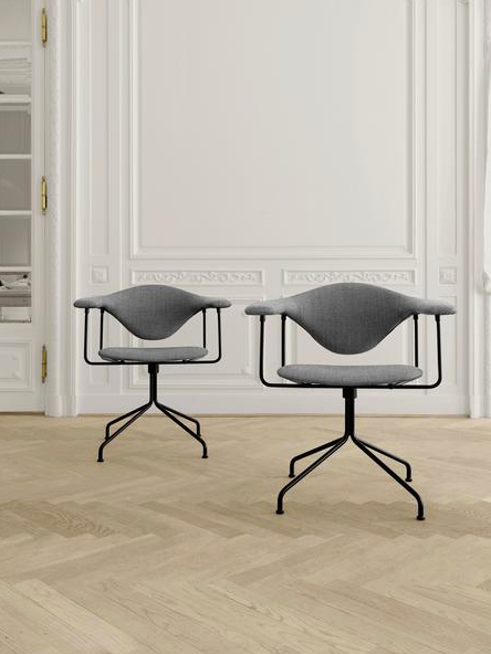 Masculo Meeting Chair - Fully Upholstered, Swivel Base by Gubi