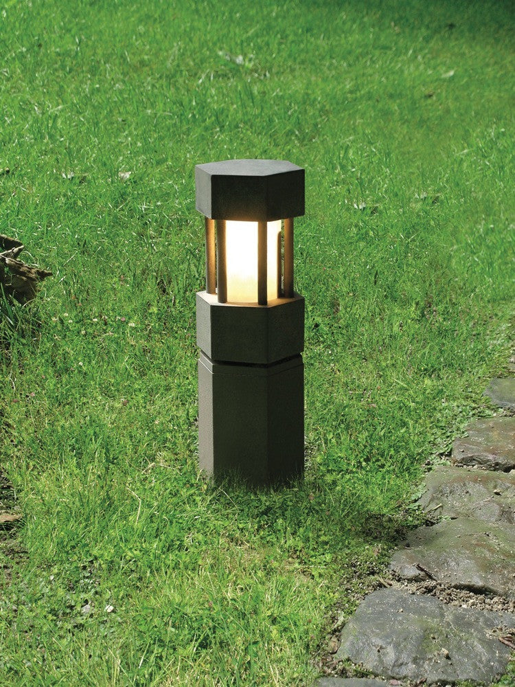 Borne outdoor light by Axis71