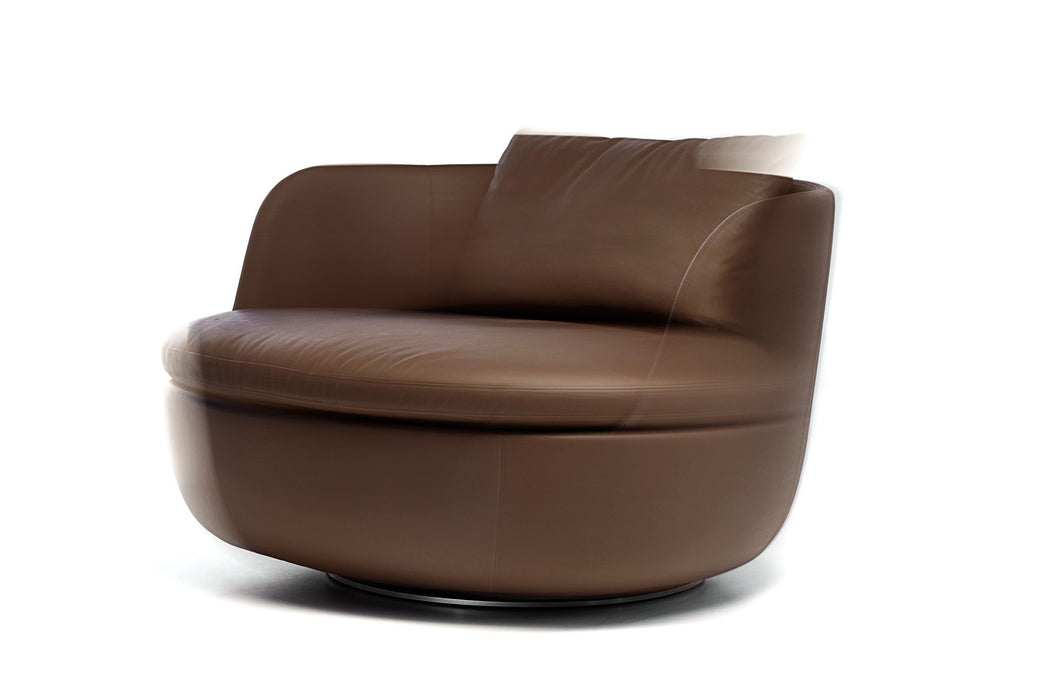 Bart Swivel by Moooi