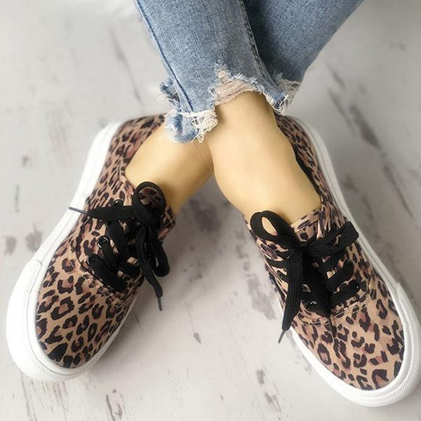Variedshoes Leopard Print Casual Lace-Up Canvas Women Sneakers