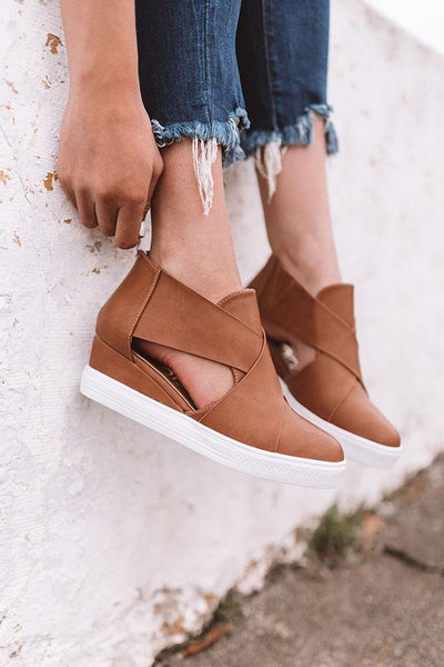 Variedshoes Hollow-out Wedge Heel Sandals