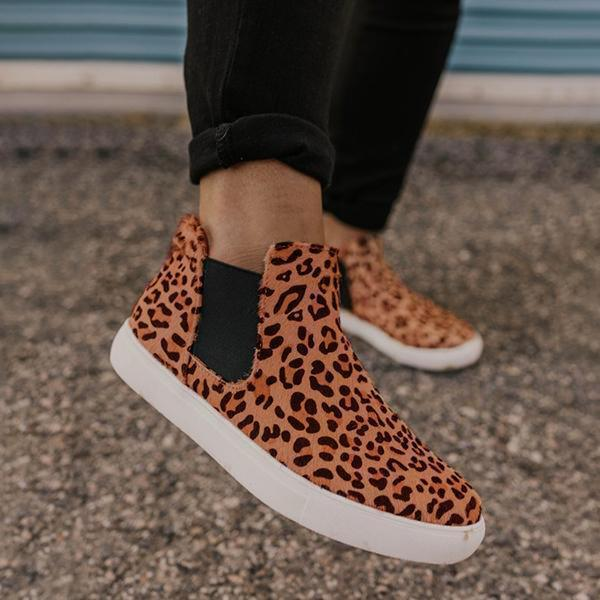 Variedshoes Women Casual Leopard Sneaker Round Toe Boots