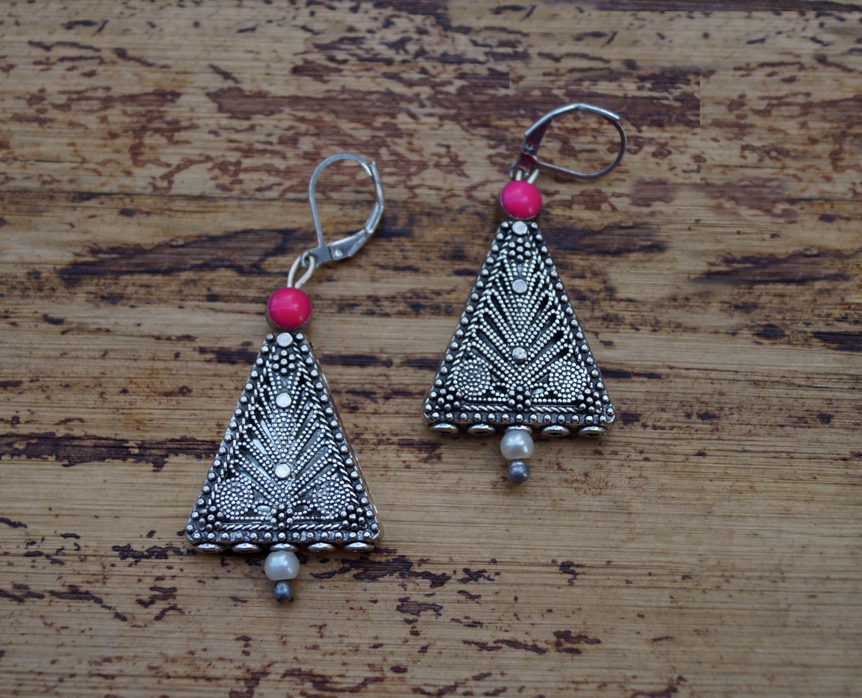 Smart Pink Triangle Dangler