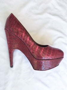 Yves Saint Laurent Size 8 Red Crocodile Pumps