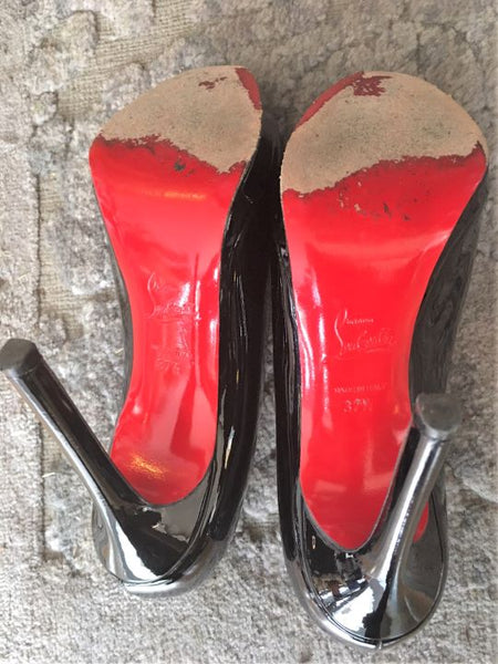 Christian Louboutin Size 7 - 7.5 Black Patent Leather Pumps