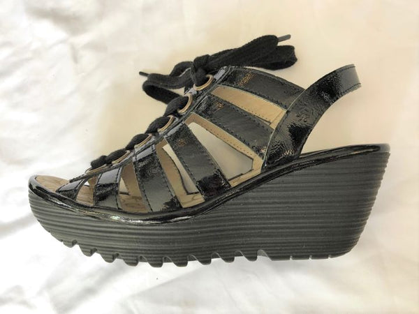 Fly London Size 6 Black Patent Sandals