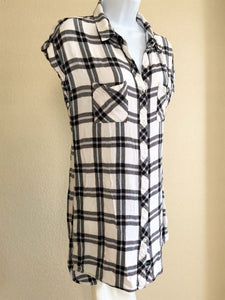 Rails Size Medium White and Navy Plaid Dress