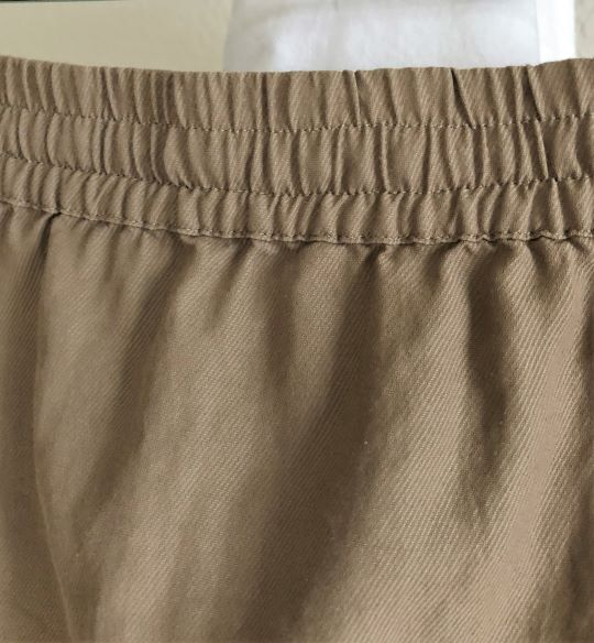 VINCE Size Medium Tan Button Front Skirt