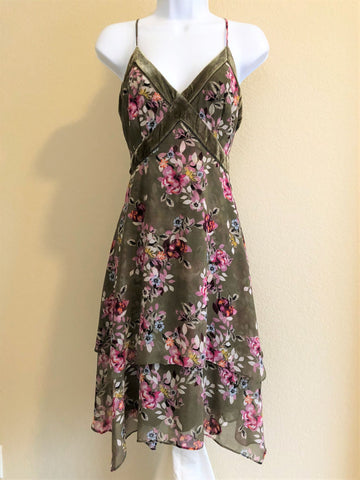 WHBM Size 10 Green Floral Dress - NEW