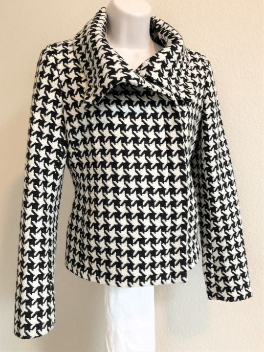Talbot's Size 2 Black and White Houndstooth Blazer