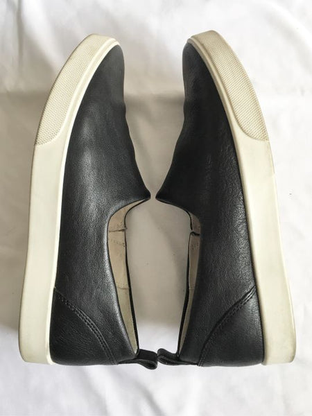 Ecco Size 5 Gillian Black Leather White Sole Slip-Ons