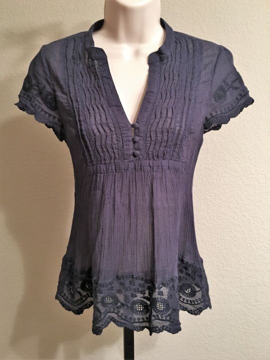 Joie Size XS Navy Top with Lace Sleeves and Hem