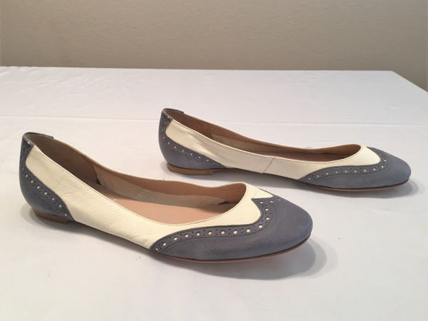 Modern Fiction Size 9.5 Ivory and Gray Flats