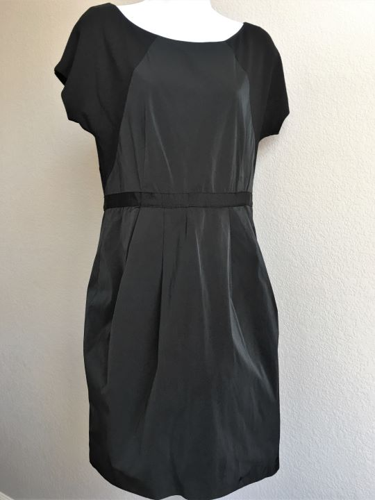 Theory Size 10 Black Dress