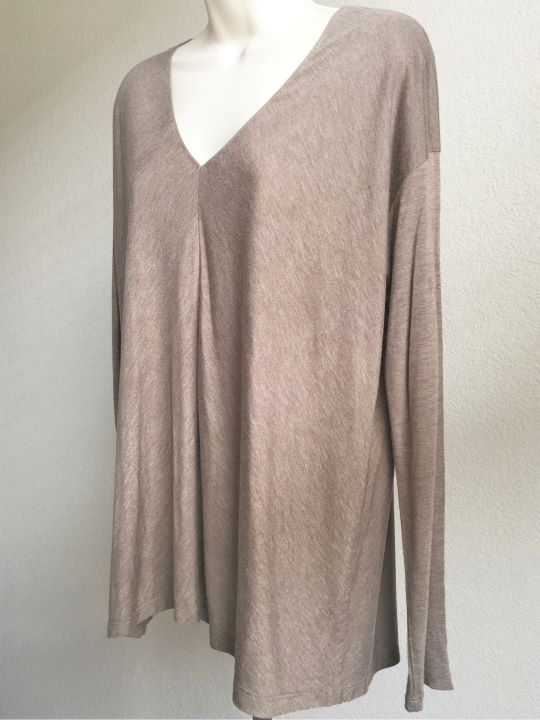 VINCE LARGE Tan Long Sleeve V-Neck Top
