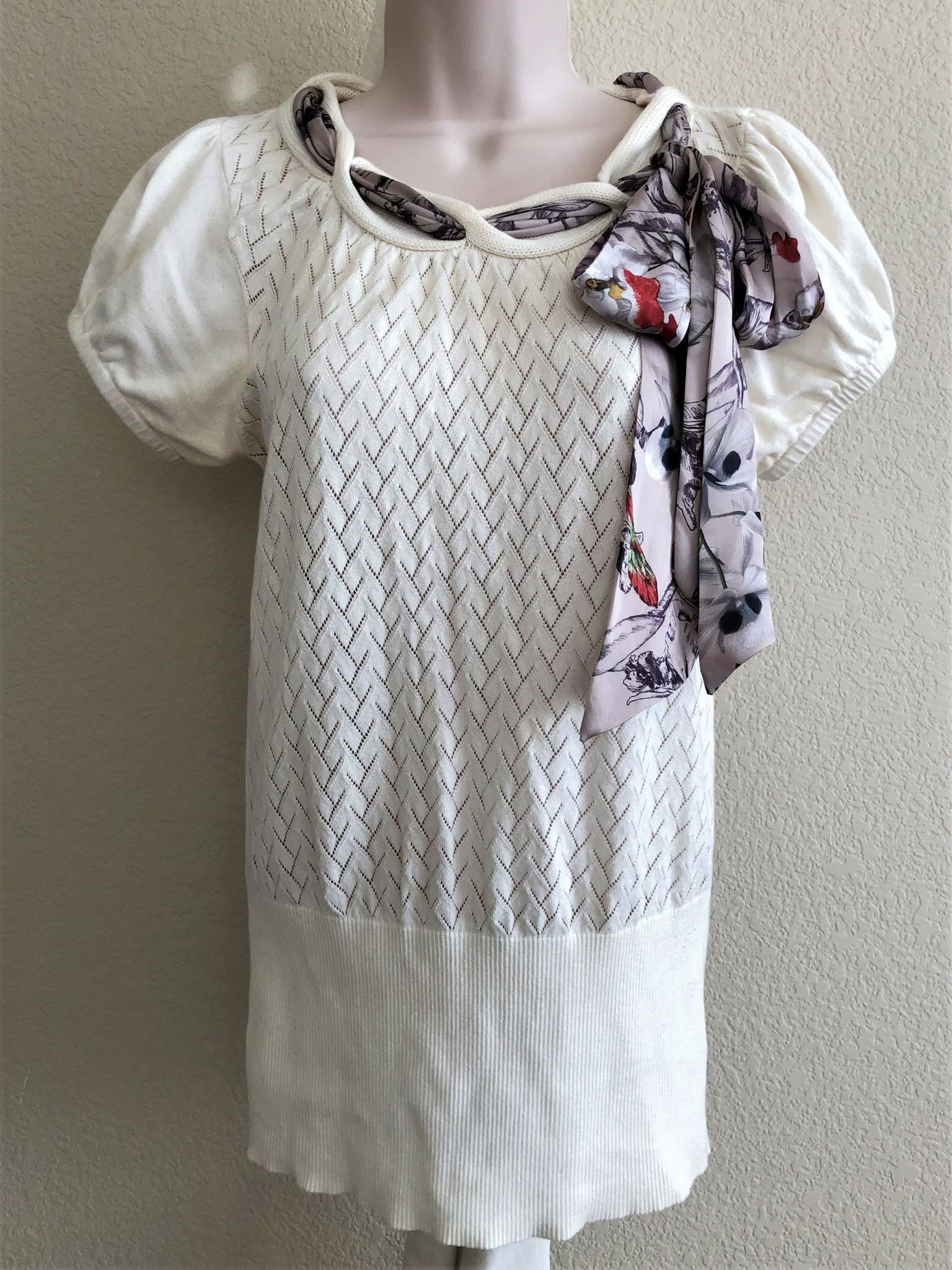 Ted Baker Size Medium Ivory Top with Scarf