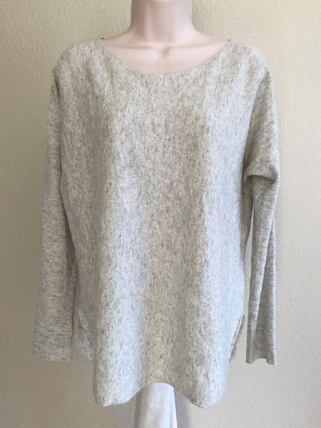 VINCE Size Small Gray Cashmere Sweater