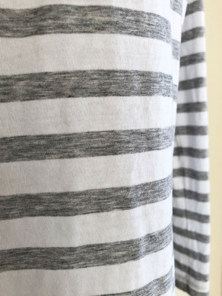 VINCE Size Small White and Gray Striped Top