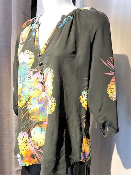 Yumi Kim Anthropologie XS Black Silk Color Print Top