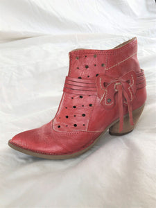 Khris Size 5.5 Red Leather Bootie