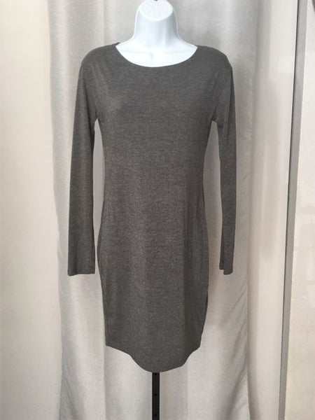 Anthro PIKO 1988 Size Medium Gray Long Sleeve Dress