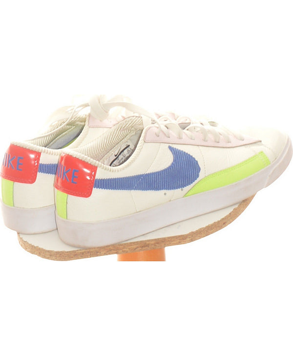 347838 Chaussures NIKE Occasion Vêtement occasion seconde main