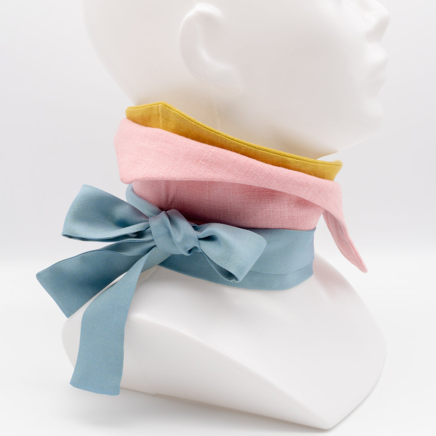 Jaana Moona Design - Handcrafted unique neckwear with double collar for women made from linen and silk. Mustard, pink and baby blue  Jaana Moona asusteet irtokaulus huivi monikäyttöinen uniikki asuste pellava silkki