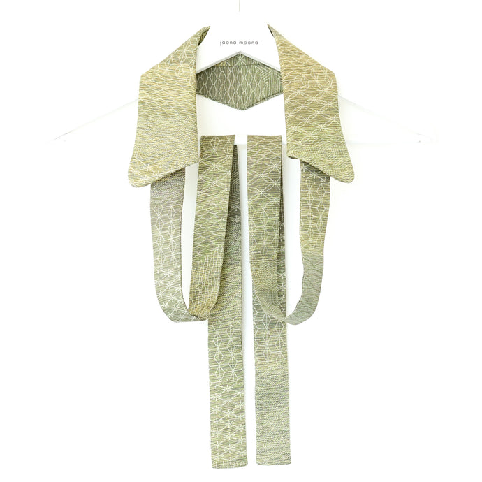 Handcrafted unique neckwear for women made from Japanese vintage kimono silk.