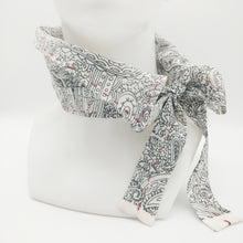 Load image into Gallery viewer, Hannukainen // Hand Stitched // Neckwear // Kaulushuivi