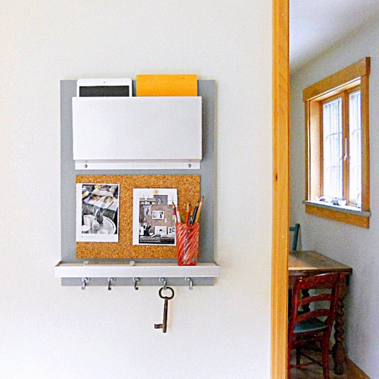 dorm decor organizer