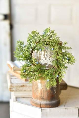 Bluepoint Cedar Wreath