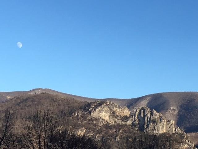 Seneca Rocks West Virginia View: Photo credit Purple Lizard Maps