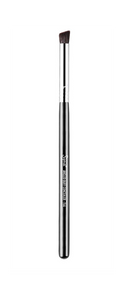 Sigma F66 ANGLED BUFF CONCEALER™ BRUSH