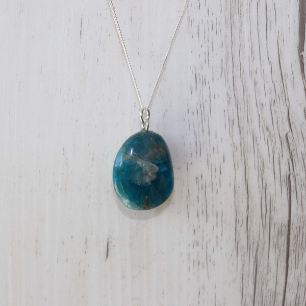 Apatite Crystal Necklace - Vintage Rose Handmade Jewellery