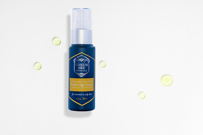 Green Bee Botanicals Perfecting Serum serum oil droplets