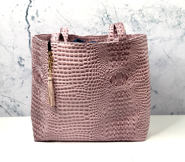 Bubble Gator Blush Tote (Note** 7 Business Day Turnaround)