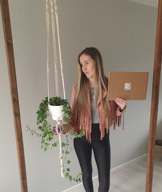 DIY KIT plant hanger.