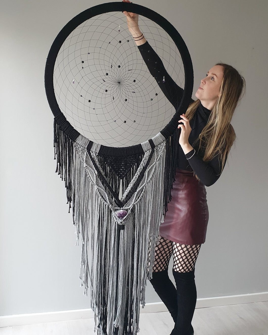 Makkala Huge dreamcatcher with amethyst