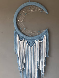 Blue moon dreamcatcher, Maia