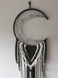 Black beaded moon dreamcatcher, Makkala